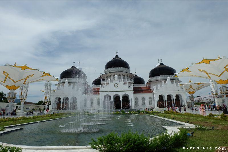 wisata-religi-di aceh-masjid-baiturrahman