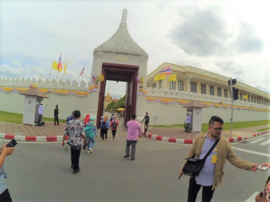 gerbang_istana_thailand